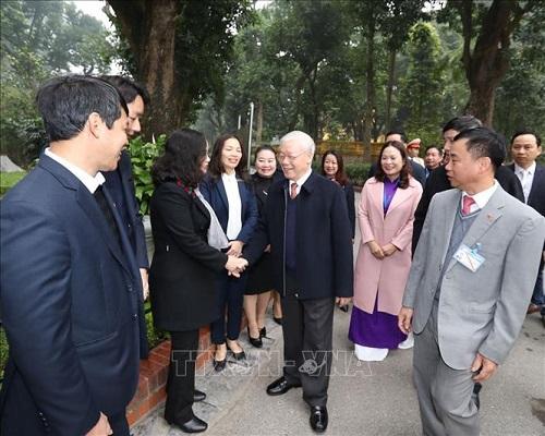 Tổng Bí thư, Chủ tịch nước Nguyễn Phú Trọng dâng hương tưởng niệm Chủ tịch Hồ Chí Minh tại Nhà 67 - Ảnh 4