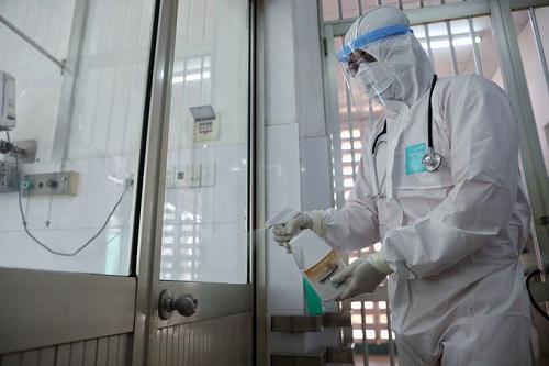Bác tin đồn hàng chục người tử vong vì nhiễm virus corona ở các bệnh viện tại TP.HCM - Ảnh 1