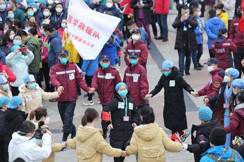 Nhịp sống ở Vũ Hán sau đại dịch Covid-19: Người dân bên ngoài về nhà sau gần 2 tháng phong tỏa  - Ảnh 2