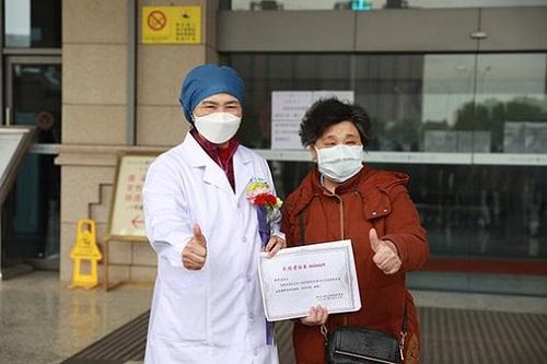 Nhịp sống ở Vũ Hán sau đại dịch Covid-19: Người dân bên ngoài về nhà sau gần 2 tháng phong tỏa  - Ảnh 3