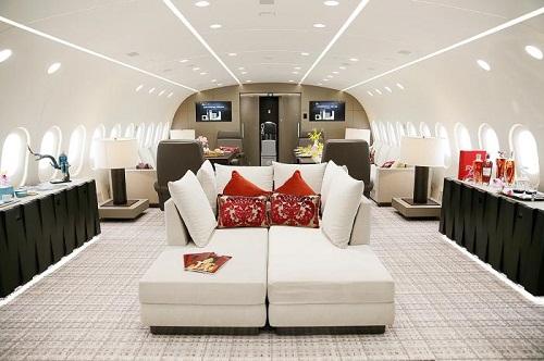 Tiêu cực từ dịch Covid-19: Gần 600 triệu đồng cho một vé máy bay từ London về Trung Quốc - Ảnh 2