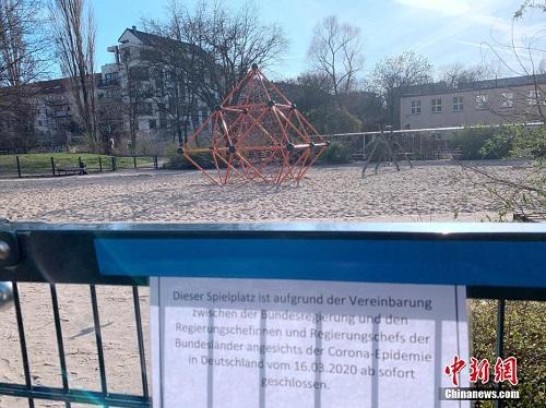 Bên trong thành phố Berlin ngày đầu tiên thực hiện lệnh phong tỏa vì Covid-19 - Ảnh 4