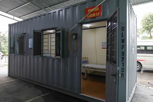 Phòng khám, cách ly chống dịch Covid-19 được dựng từ 2 thùng container - Ảnh 2