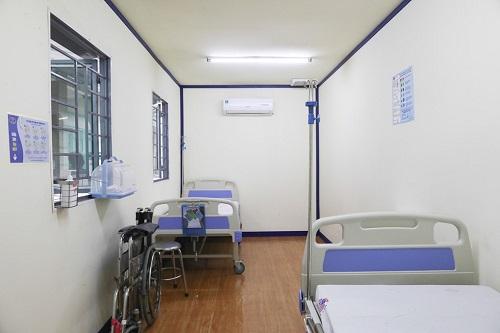 Phòng khám, cách ly chống dịch Covid-19 được dựng từ 2 thùng container - Ảnh 3
