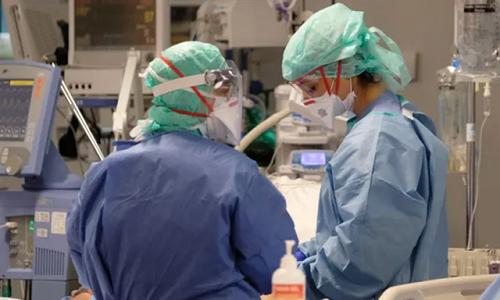 Nhiều nhân viên y tế ở Italy tử vong, tự sát vì áp lực khủng khiếp từ dịch Covid-19 - Ảnh 1
