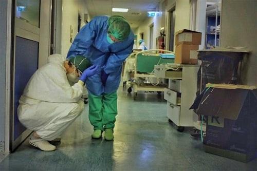 Nhiều nhân viên y tế ở Italy tử vong, tự sát vì áp lực khủng khiếp từ dịch Covid-19 - Ảnh 2