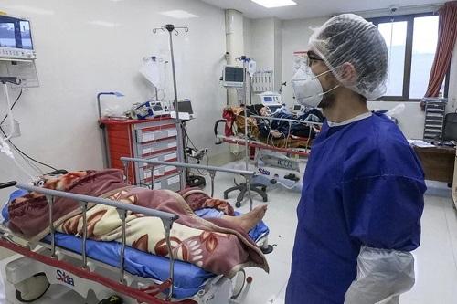 Iran: Gần 300 người chết vì uống rượu để ngăn ngừa Covid-19 - Ảnh 1