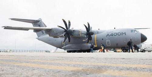 Máy bay quân sự Đức đến Italy và Pháp đưa bệnh nhân nhiễm Covid-19 về điều trị - Ảnh 1