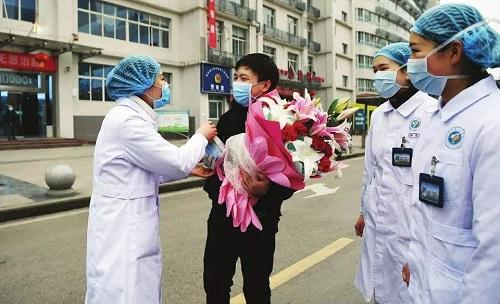 Tình hình dịch Covid-19 ở Trung Quốc: Những tín hiệu lạc quan tại tâm dịch Hồ Bắc - Ảnh 1