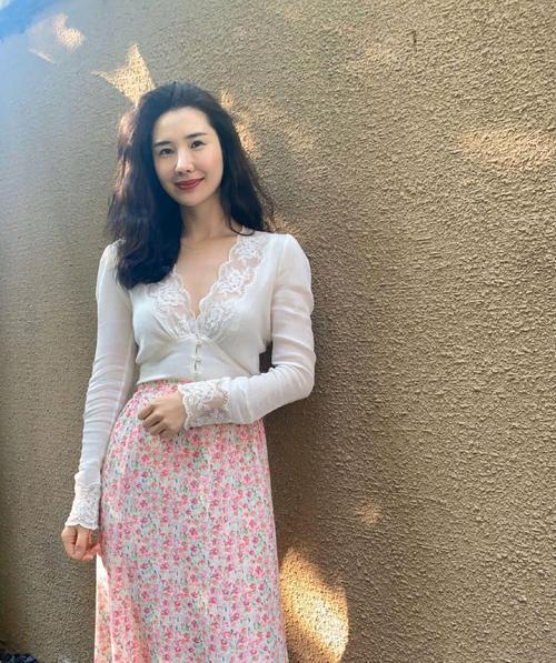 """Nhan sắc xinh đẹp cực phẩm của vợ chủ tịch Taobao vừa công khai dằn mặt """"tiểu tam"""" - Ảnh 3"""
