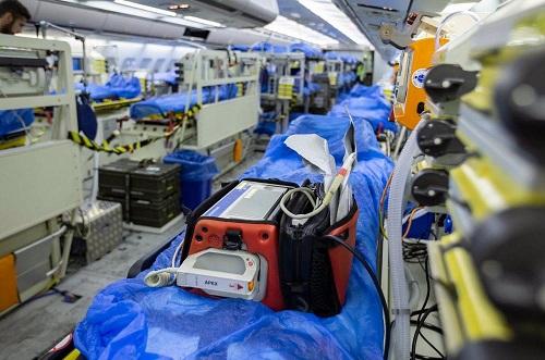 """Đức điều động """"bệnh viện bay"""" đến Italy giúp điều trị bệnh nhân mắc Covid-19 nặng - Ảnh 1"""