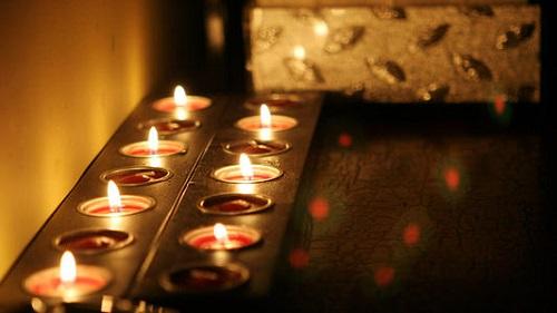 Trung Quốc tổ chức Quốc tang tưởng niệm các nạn nhân Covid-19 - Ảnh 1