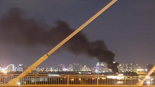 Cháy lớn trong khu chế xuất Tân Thuận, khói bốc lên nghi ngút - Ảnh 3