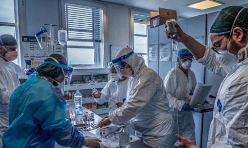 Italy: Phát hiện 40 trường hợp dương tính với virus SARS-CoV-2 trong 60 người hiến máu   - Ảnh 1