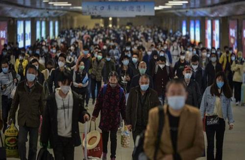 Vũ Hán: Hơn 620.000 lượt khách di chuyển trong ngày đầu tiên dỡ lệnh phong tỏa - Ảnh 2