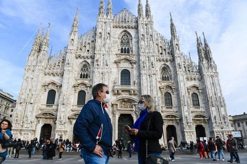 Italy ghi nhận mức tăng số ca nhiễm, tử vong do Covid-19 thấp nhất trong 2 tháng - Ảnh 1