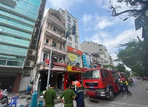 Hà Nội: Nổ lớn trên phố Cửa Nam, 3 người bị thương - Ảnh 1