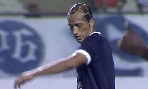"""Giật mình vì những mẫu tóc """"theo kiểu chẳng giống ai"""" của các cầu thủ bóng đá thế giới - Ảnh 2"""