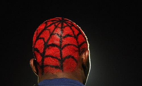 """Giật mình vì những mẫu tóc """"theo kiểu chẳng giống ai"""" của các cầu thủ bóng đá thế giới - Ảnh 9"""