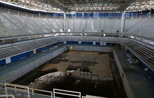 Giật mình khung cảnh hoang lạnh của những sân vận động từng diễn ra Olympic Rio 2016 - Ảnh 3