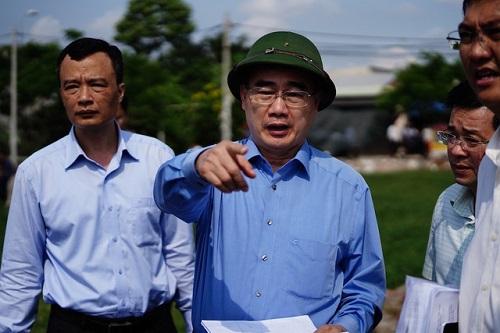 Bí thư Nguyễn Thiện Nhân thị sát thực trạng xây nhà trái phép ở Bình Chánh - Ảnh 2