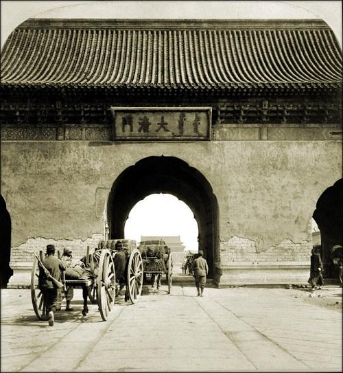 """Loạt ảnh cho thấy cuộc sống """"không như phim"""" ở Trung Quốc 100 năm trước - Ảnh 7"""