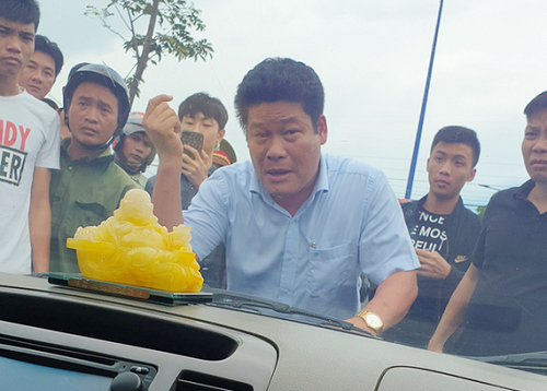 Truy tố giám đốc gọi giang hồ vây xe công an ở Đồng Nai tội trốn thuế - Ảnh 1