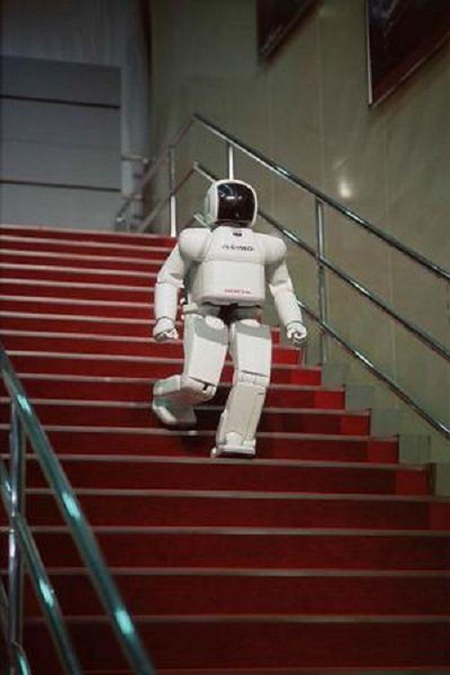 """2 robot huyền thoại được xem là cách mạng công nghệ, từng làm """"điên đảo"""" thế giới một thời - Ảnh 3"""