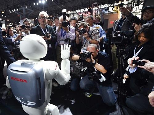 """2 robot huyền thoại được xem là cách mạng công nghệ, từng làm """"điên đảo"""" thế giới một thời - Ảnh 7"""