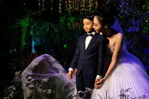 """Những bà mẹ kế trong showbiz Việt chứng minh câu nói """"đã làm dì ghẻ nên thương con chồng"""" - Ảnh 1"""