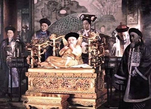 Vị Hoàng đế nhà Thanh đoản mệnh nhất, cả cuộc đời bi thương dưới quyền lực của người mẹ - Ảnh 2