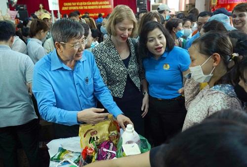 New Zealand mở siêu thị 0 đồng hỗ trợ cho các công nhân ở Hà Nội - Ảnh 2