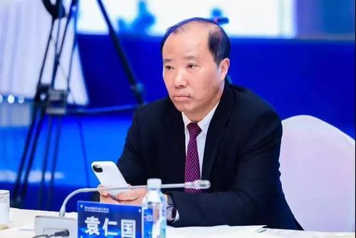 Chân dung chủ tịch 48 tuổi của công ty rượu Mao Đài Quý Châu giá trị nghìn tỷ - Ảnh 3