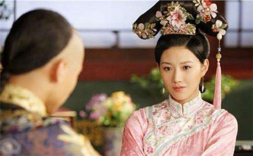 Người phụ nữ đến với vua Khang Hi khi mới 10 tuổi, được sủng ái nhưng phải gánh chịu bất hạnh không gì bù đắp nổi - Ảnh 1