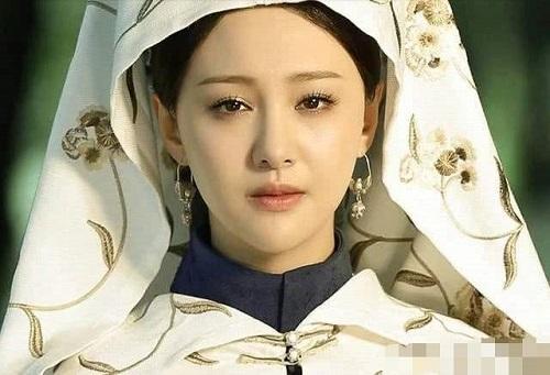 Người phụ nữ đến với vua Khang Hi khi mới 10 tuổi, được sủng ái nhưng phải gánh chịu bất hạnh không gì bù đắp nổi - Ảnh 3
