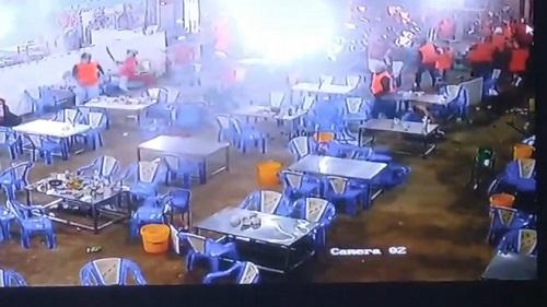 Bắt giữ một số nghi phạm trong vụ nhóm giang hồ đập phá quán nhậu ở quận Bình Tân - Ảnh 1
