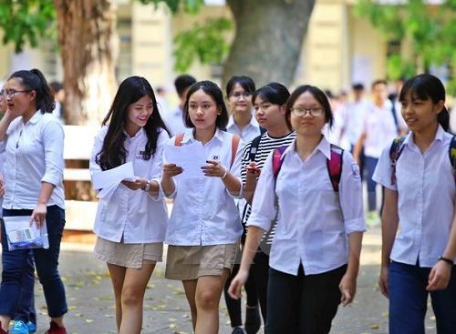 Hà Nội: Gần 89.000 sĩ tử đang làm thủ tục dự thi tuyển sinh vào lớp 10 - Ảnh 1