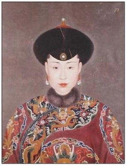 Cung nữ may mắn nhất lịch sử, được Càn Long chọn làm con dâu, cuối cùng trở thành mẫu nghi thiên hạ - Ảnh 2