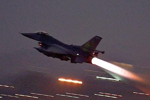 Tình hình chiến sự Syria mới nhất ngày 23/7: Israel oanh kích dữ dội, quân đội Syria phòng thủ thành công - Ảnh 1