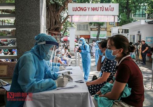 Hà Nội: Tiến hành test nhanh Covid -19 cho người dân từ Đà Nẵng trở về - Ảnh 2