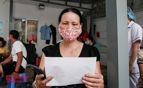 Hà Nội: Tiến hành test nhanh Covid -19 cho người dân từ Đà Nẵng trở về - Ảnh 8