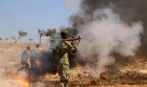 Tình hình chiến sự Syria mới nhất ngày 30/7: Khủng bố IS tấn công ác liệt, quân đội Syria thương vong lớn - Ảnh 1