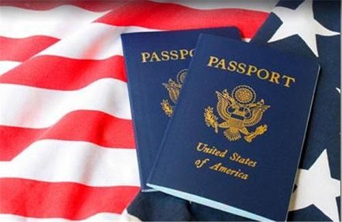 Số người tình nguyện bỏ quốc tịch Mỹ cao kỷ lục - Ảnh 1