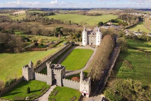 """10 tòa lâu đài cổ tráng lệ nhất thế giới, tới một lần là cả đời """"đắm say"""" - Ảnh 3"""