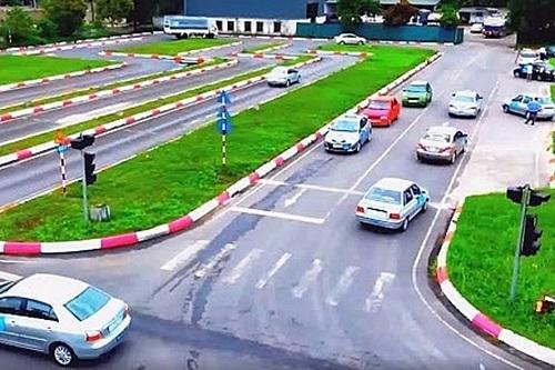 Đào tạo, cấp giấy phép lái xe: Có cần thay đổi cơ quan quản lý? - Ảnh 2