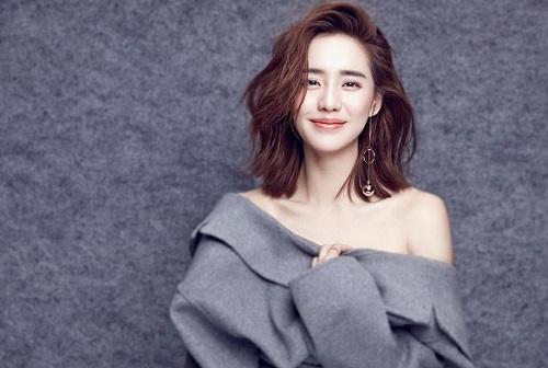 6 sao nữ Hoa ngữ sở hữu kung fu thực thụ: Người xinh đẹp quyến rũ, người là sư tỷ của Thành Long - Ảnh 1