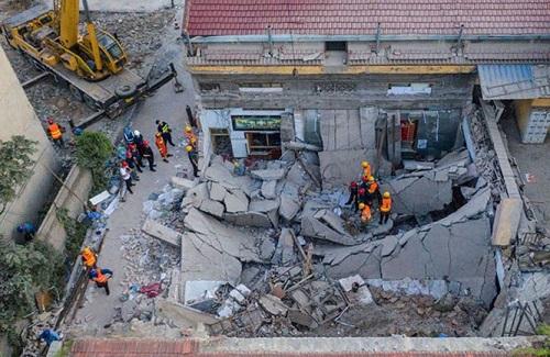 Vụ sập nhà hàng kinh hoàng tại Trung Quốc: 29 người thiệt mạng - Ảnh 1