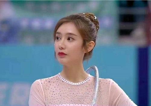Nữ MC đẹp nhất của Tencent gây thương nhớ với vũ đạo uyển chuyển cùng đôi chân thon dài mướt mắt - Ảnh 3
