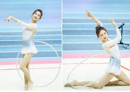 Nữ MC đẹp nhất của Tencent gây thương nhớ với vũ đạo uyển chuyển cùng đôi chân thon dài mướt mắt - Ảnh 4