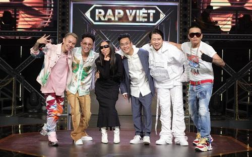 """Danh tính chàng soái ca 9x là chủ nhân của những siêu xe xịn xò trong """"Rap Việt"""" - Ảnh 1"""